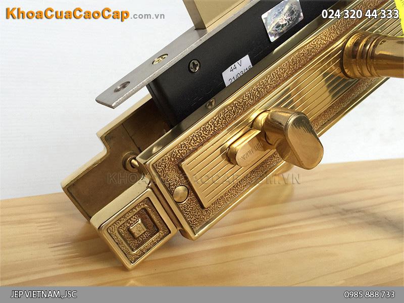 Khóa cửa tay gạt bằng đồng Huy Hoàng HC5822 - 2