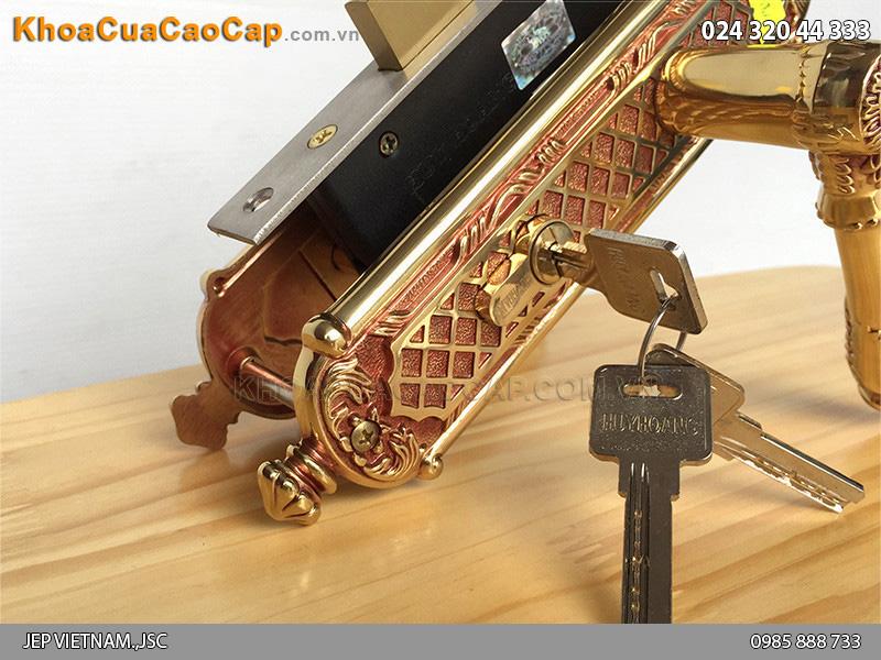 Khóa tay gạt bằng đồng cho cửa gỗ HC5821 - 2