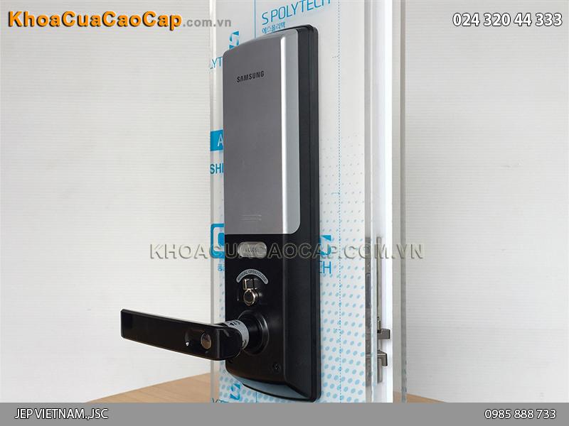 Khóa cửa vân tay Samsung SHS-H705 màu đen - ảnh 4