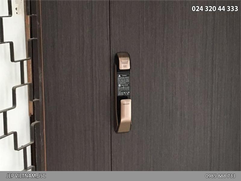 Khóa cửa vân tay samsung DP920 - lắp trên cửa