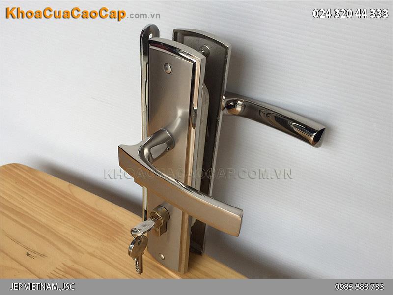 Khóa tay gạt cửa gỗ Việt Tiệp 04906 - ảnh 5