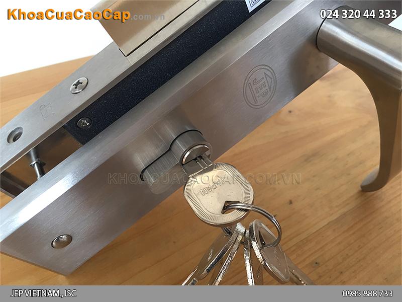 Khóa cửa gỗ tay gạt MC15 - 4