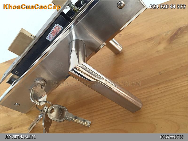 Khóa cửa gỗ tay gạt MC42 - 3